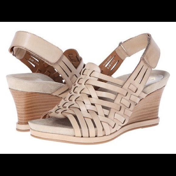5febf5c67695 Earthies Shoes - Earthies Petra Biscuit basket weave wedge Sandals